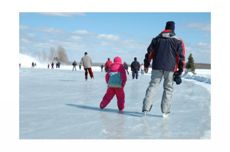 Icy trail and outdoor rinks eastern townships quebec for Patinoire exterieur