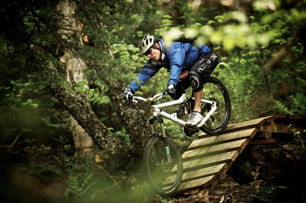 Circuits Frontières - East Hereford: A 50 km mountain biking trail network for all levels including 13 km of exciting flowing singletracks built by ADSVMQ in the past 3 years. In the Quebec's Top-10 of the best mountain biking places.