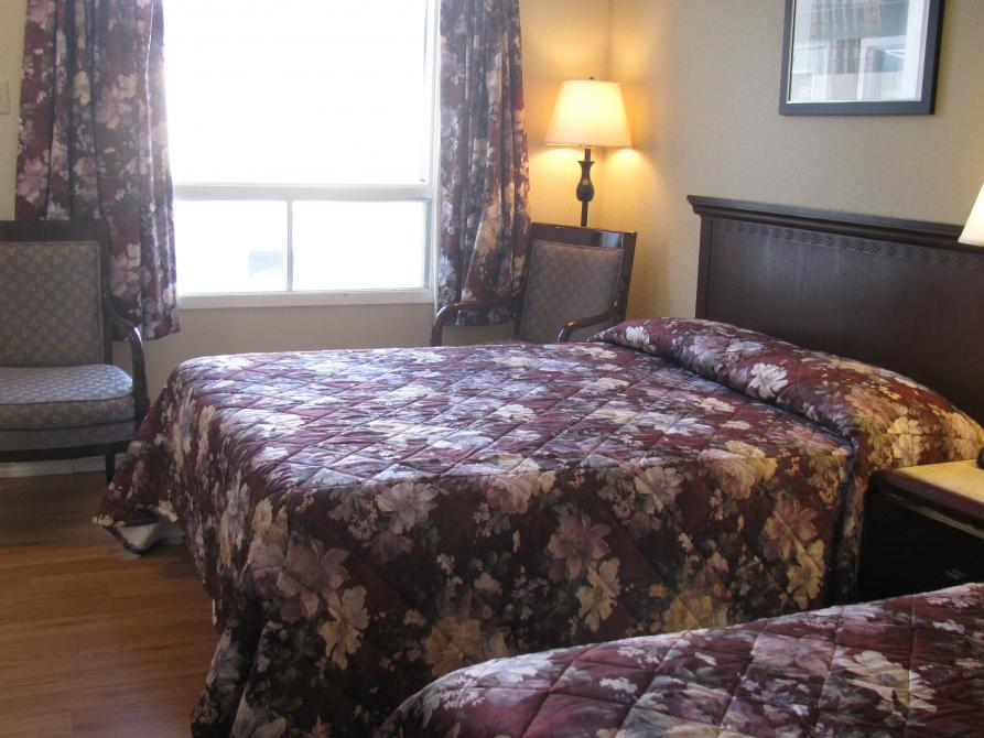 room 2 double beds: