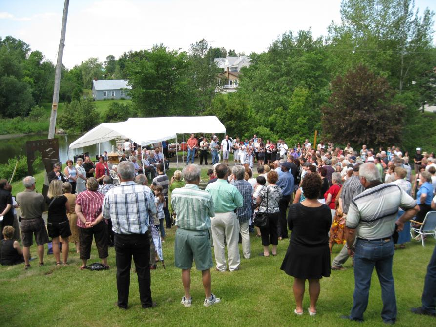 History shows itself: The unveiling, in 2010, of the Orcard Lessard's statue in Martinville.