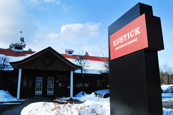 Outside: Rustick - Brasserie & Auberge
