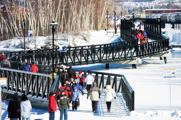 Promenade du Lac-des-Nations: Sherbrooke - Urban walks