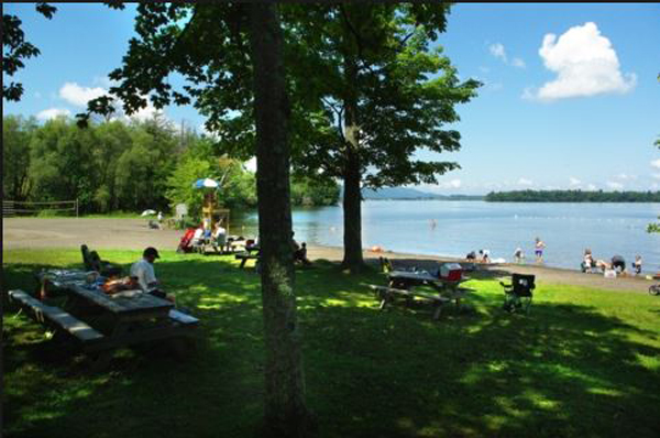 Municipal beach (Douglass): Lac-Brome