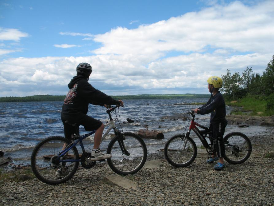 Cycling at Pointe aux Pins - Parc national de Frontenac: ©Daphnée Denault