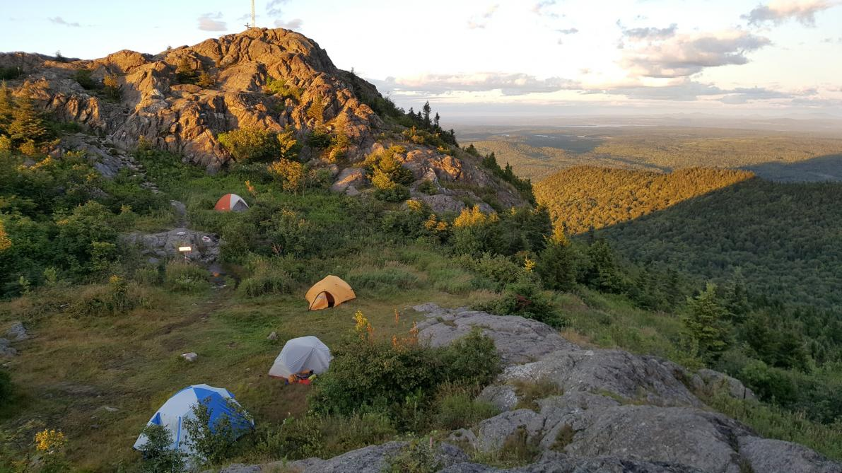 Parc régional du Mont-Ham: Camping at the summit