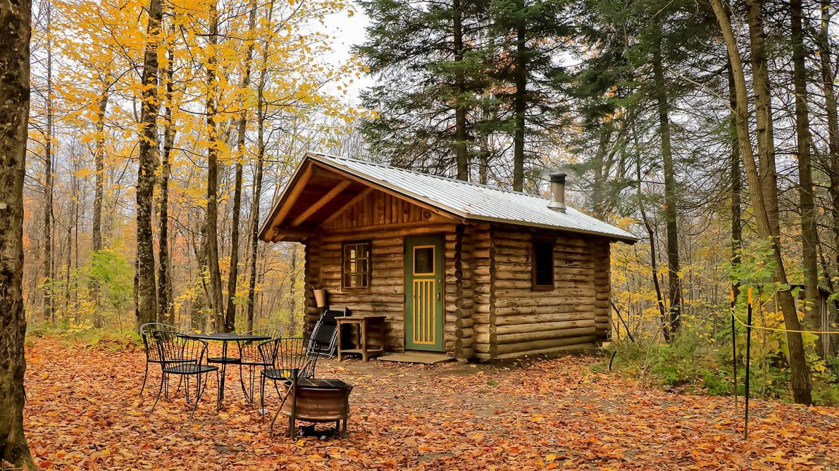 Entre Cîmes et Racines: Non-traditional lodging and cabins Bolton-Est