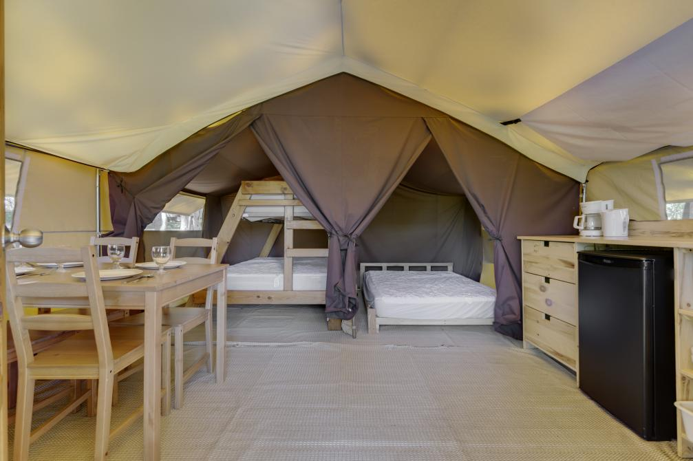 Tent ready-to-camp: Ready-to-camp tent for those who want to enjoy the pleasure of camping in a tent without neglecting their comfort!