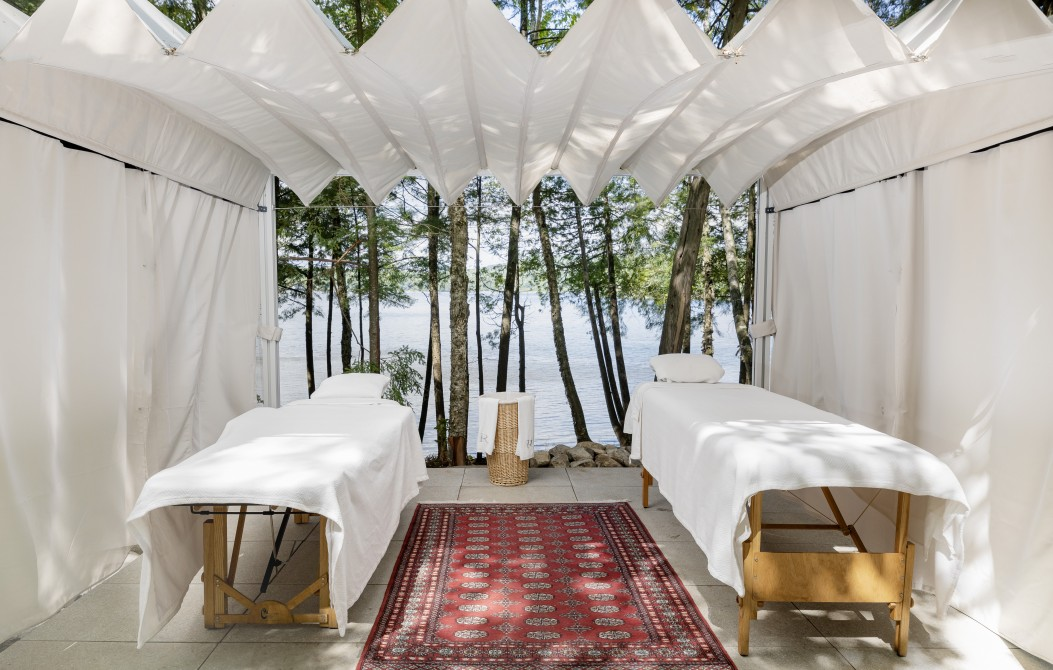 Ripplecove - Hotel & Spa on the lake: Exterior massage - Arboressence Spa