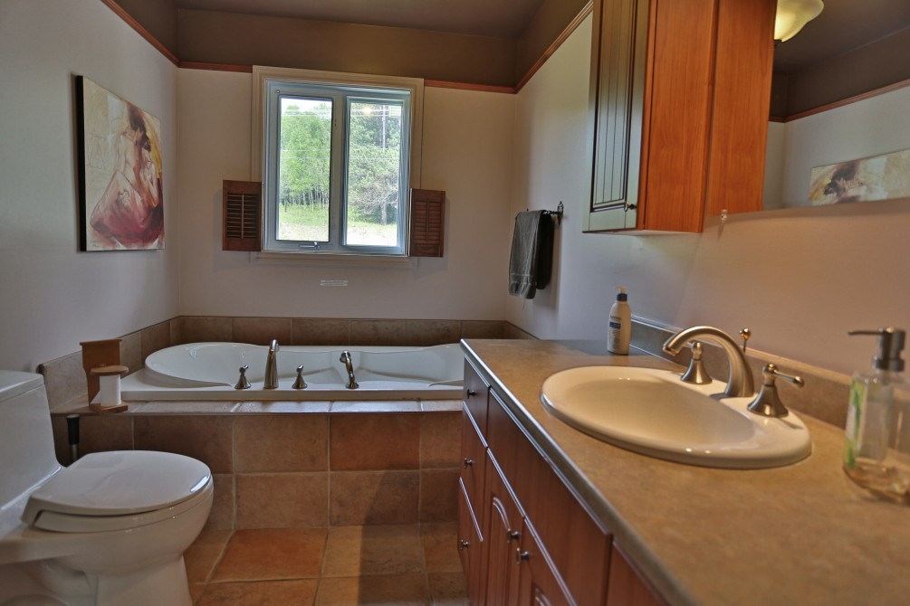 Bathroom 1er floor: Chalet Beaudin Lac Wallace
