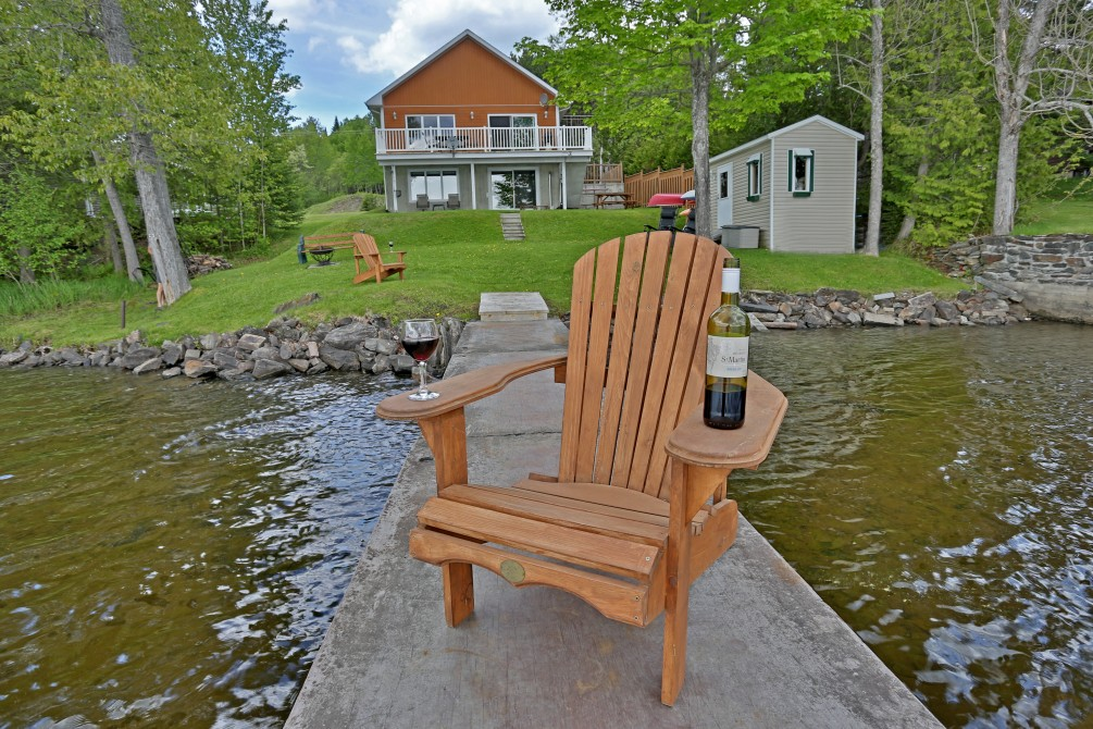 Dock view: Chalet Beaudin Lac Wallace