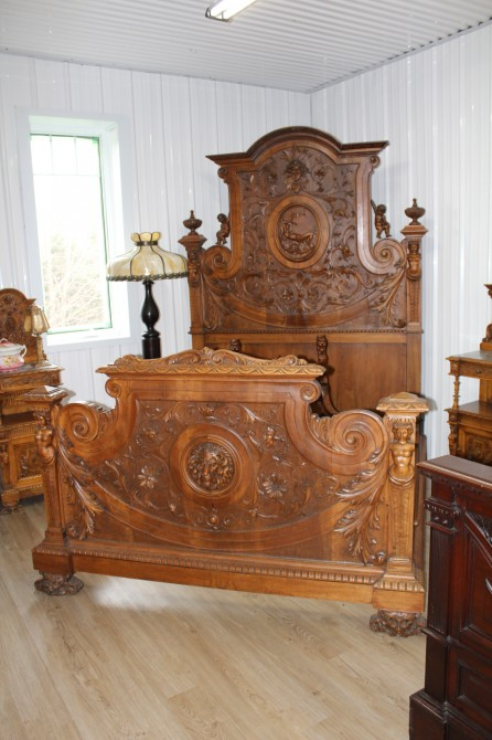 www.commedansltemps.com: Buy and sell quality antiques furnitures